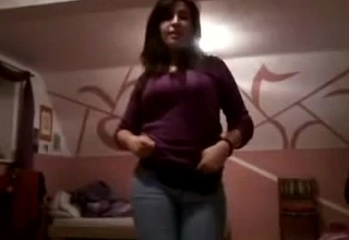Sonia desi girl nude dance in bra