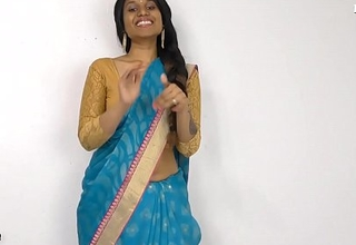 Hot Indian Aunty peeing for virgin boy all round Hindi