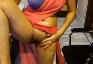Indian Amateur In Saree Resembling Their way Shaved Virgin Pussy