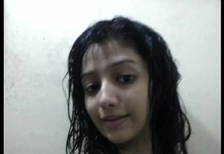 Indian Beautiful Indian girl with lovely boobs bathroom selfie - Wowmoyback